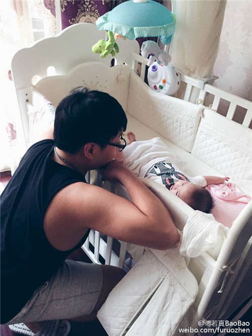 网传解说娃娃已离婚 宝宝正面回应